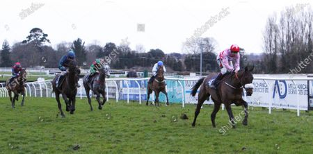 Leighton Aspell finishes 2nd on his final ride before retirement on Itsnotwhatyouthink at Fontwell beaten by Jetaway Joe.