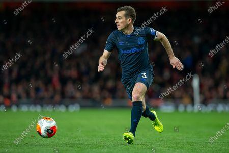 Leighton Baines of Everton controls the ball