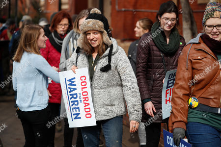 R m. Supporters queue up to attend a campaign rally for Democratic presidential candidate U.S. Sen. Elizabeth Warren, D-Mass., in Denver