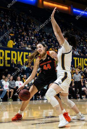 Oregon State Beavers forward Taylor Jones (44) drives to the hoop during the NCAA Women's Basketball game between Oregon State Beavers and the California Golden Bears 76-63 win at Hass Pavilion Berkeley Calif. Thurman James / CSM