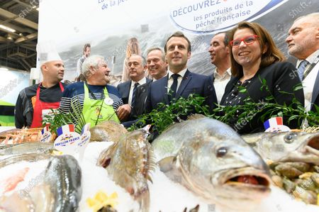 Didier Guillaume, Jacques Woci, Emmanuel Macron, Eric Bothorel and guests
