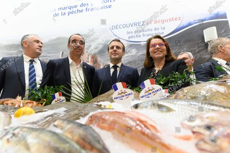 French Agriculture and Food Minister Didier Guillaume, Eric Bothorel, Emmanuel Macron and guests