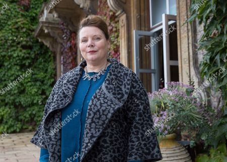 Stock Photo of Joanna Scanlan as Kelly Mulcreevy.