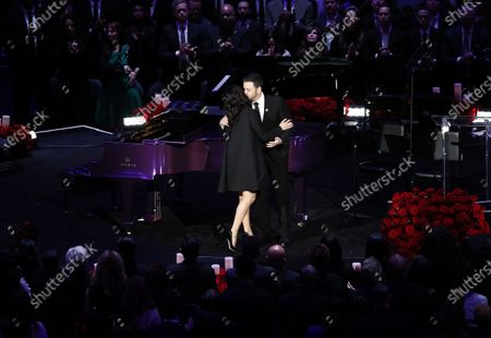 Jimmy Kimmel, American television host (R) kisses, Vanessa Bryant, wife of Kobe Bryant after introducing her to mourners at NBA Los Angeles Lakers Kobe Bryant and his daughter, Gianna's memorial service 'A Celebration of Life: Kobe and Gianna Bryant' at Staple Center in Los Angeles, California, USA, 24 February 2020. Bryant, his daughter Gianna 'Gigi' Bryant, Payton Chester, Sarah Chester, Alyssa Altobelli, Keri Altobelli, John Alobelli, Christina Mauser, and helicopter pilot, Ara Zobayan died in helicopter crash in a Calabassas hillside on 26 January.
