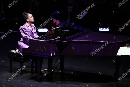 Alicia Keys, American musician, plays Beethoven's, 'Moonlight Sonata', one of Kobe and Vanessa Bryant's favorite pieces of music, (Kobe learned to paly for Vanessa) at to NBA Los Angeles Lakers Kobe Bryant and his daughter, Gianna's memorial service 'A Celebration of Life: Kobe and Gianna Bryant' at Staple Center in Los Angeles, California, USA, 24 February 2020. Bryant, his daughter Gianna 'Gigi' Bryant, Payton Chester, Sarah Chester, Alyssa Altobelli, Keri Altobelli, John Alobelli, Christina Mauser, and helicopter pilot, Ara Zobayan died in helicopter crash in a Calabassas hillside on 26 January.