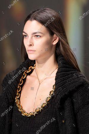 Vittoria Ceretti on the catwalk