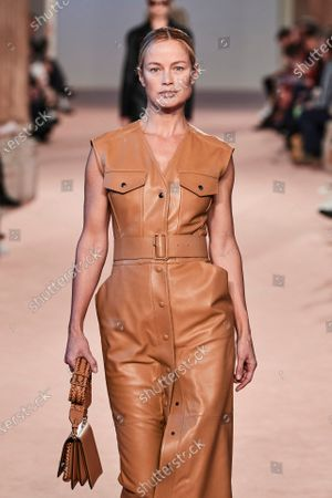 Stock Image of Carolyn Murphy on the catwalk