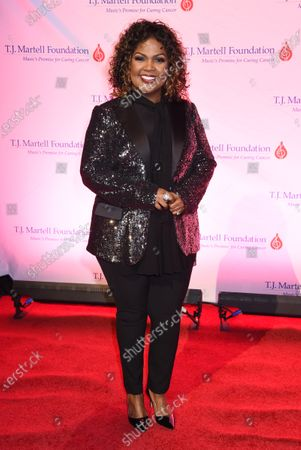 Stock Picture of CeCe Winans