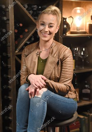 Exclusive -  Kellie Pickler stops by the Circle Television Network, 'Phil Vassar's Songs from the CellarÕ, in Nashville, TN