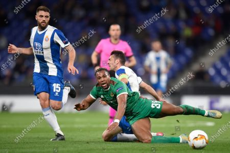 Adama Traore of Wolverhampton Wanderers and David Lopez of RCD Espanyol
