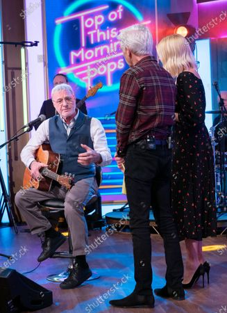 Stock Photo of Phillip Schofield and Holly Willoughby with Steve Harley