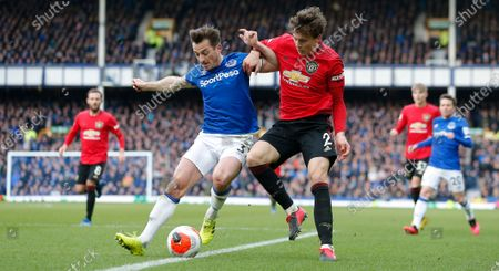 Victor Lindelof of Manchester United and Leighton Baines of Everton