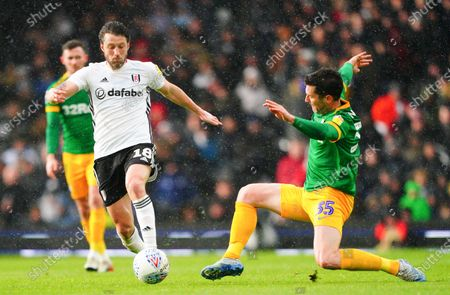 Harry Arter of Fulham gets away from David Nugent of Preston North End