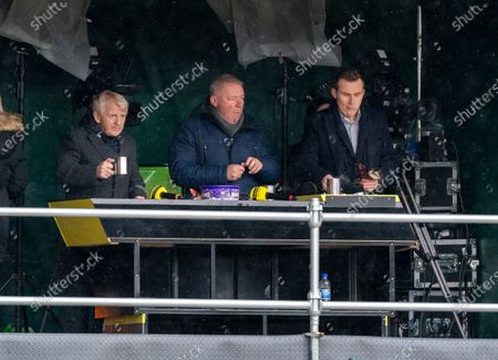 Gordon Strachan & Ally McCoist enjoy hot drinks and chocolates on the BT Sport TV gantry on a cold day in Perth