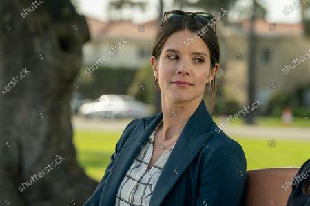 Sonya Cassidy as Liz Dudley