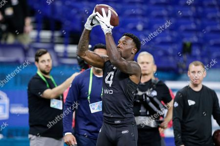 Colorado wide receiver Tony Brown runs a drill at the NFL football scouting combine in Indianapolis