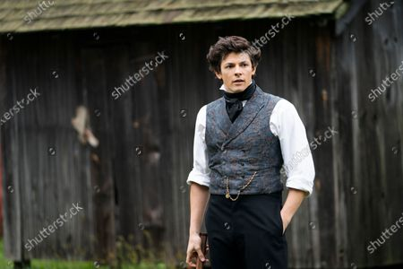 Adrian Enscoe as Austin Dickinson