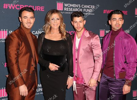Kevin Jonas, Rita Wilson, Nick Jonas and Joe Jonas