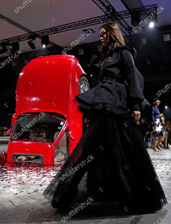 US model Bella Hadid presents a creation by Virgil Abloh for Off White fashion house during the Paris Fashion Week, in Paris, France, 27 February 2020. The Fall-Winter 2020/21 women's collection runs from 24 February to 03 March 2020.