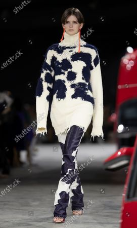 A model presents a creation by Virgil Abloh for Off White fashion house during the Paris Fashion Week, in Paris, France, 27 February 2020. The Fall-Winter 2020/21 women's collection runs from 24 February to 03 March 2020.