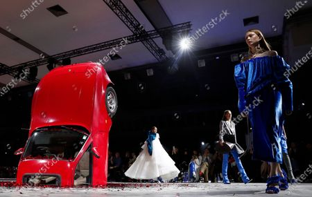 Models present creations by Virgil Abloh for Off White fashion house during the Paris Fashion Week, in Paris, France, 27 February 2020. The Fall-Winter 2020/21 women's collection runs from 24 February to 03 March 2020.