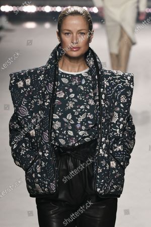 Stock Picture of Carolyn Murphy on the catwalk