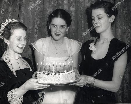 Ex Debutante Miss Josephine Lackay Of Sunderland Held Her 21st Birthday Party At The Washington Hotel In London. L-r: Miss Joanna Scanlon (scanton) Miss Josephine Lackay And Miss Patricia Searle.