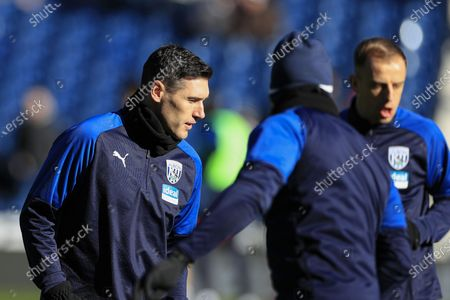 29th February 2020, The Hawthorns, West Bromwich, England; Sky Bet Championship, West Bromwich Albion v Wigan Athletic : Gareth Barry (18) of West Bromwich Albion warms up for the game