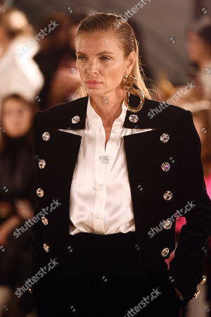 Esther Canadas on the catwalk