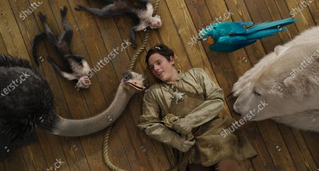 Ostrich Plimpton (Kumail Nanjiani), Monkeys Elliot and Elsie, Sugar Glider Mini (Nick A. Fisher), Harry Collett as Tommy Stubbins, Parrot Polynesia (Emma Thompson) and Polar Bear Yoshi (John Cena)