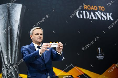 German former soccer player Dietmar Hamann shows a ticket of FC Basel during the UEFA Europa League 2019/20 Round of 16 draw, at the UEFA Headquarters in Nyon, Switzerland, 28 February 2020.