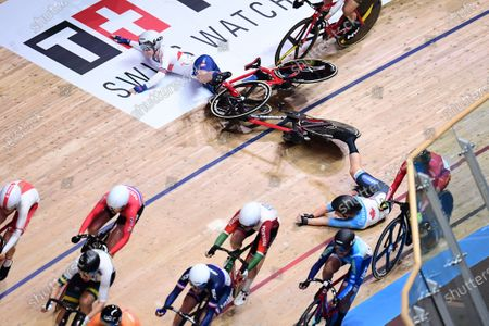 Laura Kenny of Great Britain crashes during the Women's Omnium Scratch Race.