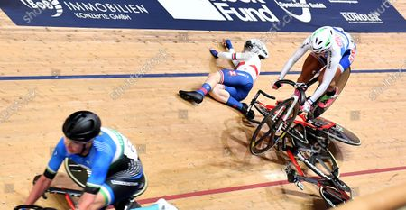 Stock Image of - Day 3 - Women's Omnium Scratch Race - Laura Kenny crash and injury