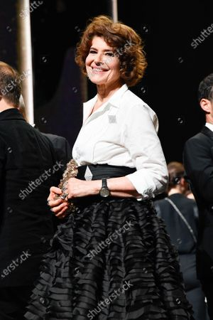 Fanny Ardant receives the best supporting actress award for 'La Belle Ãpoque'