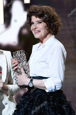 Fanny Ardant receives the best supporting actress award for 'La Belle Ãpoque',