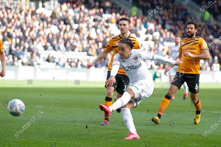 Leeds United forward Helder Costa (17), on loan from Wolverhampton Wanderers,  during the EFL Sky Bet Championship match between Hull City and Leeds United at the KCOM Stadium, Kingston upon Hull