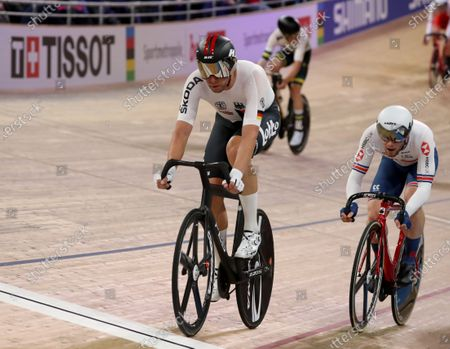 Roger Kluge of Germany (L) and Matthew Walls of Great Britain (R) in action during the Men's Omnium Elimination Race at the UCI Track Cycling World Championships at the Velodrom in Berlin, Germany, 29 February 2020.