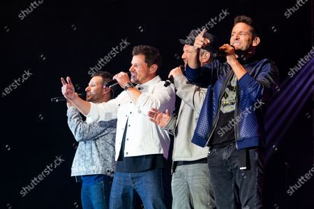 Jeff Timmons, Justin Jeffre, Nick Lachey and Drew Lachey