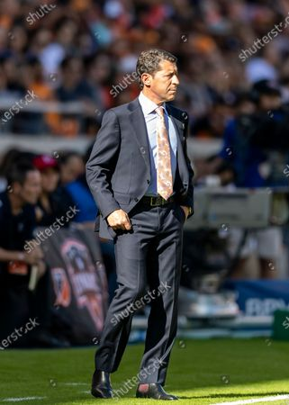 Houston Dynamo head coach Tab Ramos on the sideline of the season opener against the Los Angeles Galaxy at BBVA Stadium in Houston, Texas. Maria Lysaker / CSM