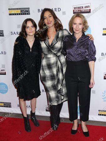 Stock Photo of Oona Laurence, Lola Kirke and Amy Ryan