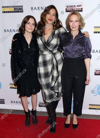 Oona Laurence, Lola Kirke and Amy Ryan