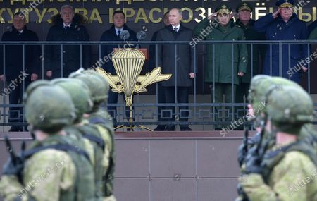 Russian President Vladimir Putin (C) and Defence Minister Sergey Shoygu (C-R) visit the base of 76th Airborne Division in Pskov, Russia, 01 March 2020.