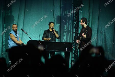 Camila - Mario Domm, Pablo Hurtado and Ian Holmes