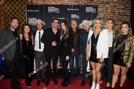 Phil Barton, O'Shea, Tom Jordan, Mitch Thompson, Kylie Sackley, Tommy Emmanuel, Andrea Dozzi, Jesse Dozzi and Nina Dozzi