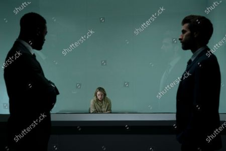 Aldis Hodge as James Lanier, Elisabeth Moss as Cecilia Kass and Sam Smith as Detective Reckley