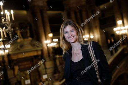 French model Constance Jablonski poses before Stella McCartney's fashion collection during Women's fashion week Fall/Winter 2020/21 presented in Paris