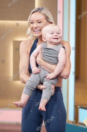 Stock Picture of Ultimate Postnatal Workout - Simone De La Rue and models