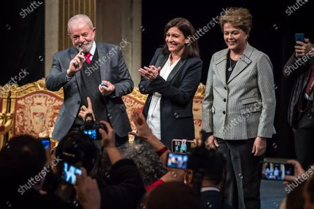 (L-R) Former Brazilian President Luis Inacio Lula da Silva, Paris Mayor Anne Hidalgo and Former Brazilian president Dilma Rousseff  during the ceremony where Lula da Silva received his diploma as Honorary Citizen at the City Hall of Paris, France, 02 March 2020. On 03 October 2019, Luiz Inacio Lula da Silva received the title of Honorary Citizen of Paris City Hall.
