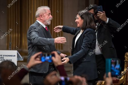 (L-R) Former Brazilian President Luis Inacio Lula da Silva greets with Paris Mayor Anne Hidalgo during the ceremony where Lula da Silva received his diploma as Honorary Citizen at the City Hall of Paris, France, 02 March 2020. On 03 October 2019, Luiz Inacio Lula da Silva received the title of Honorary Citizen of Paris City Hall.