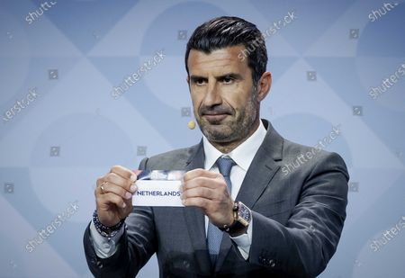 Former Portuguese soccer player Luis Figo shows the lot of Netherlands during the UEFA Nations League 2020-21 Draw for the League A in Amsterdam, The Netherlands, 03 March 2020.